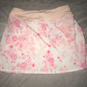 Lululemon tennis skirt. Size small. NWOT. Cute!
